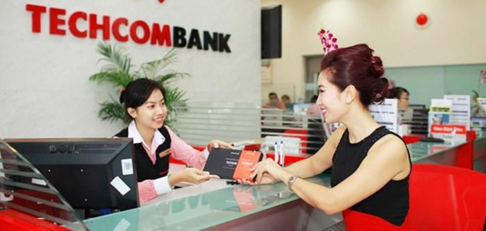 Techcombank chào sàn giữa 'tâm bão' Trần Bắc Hà