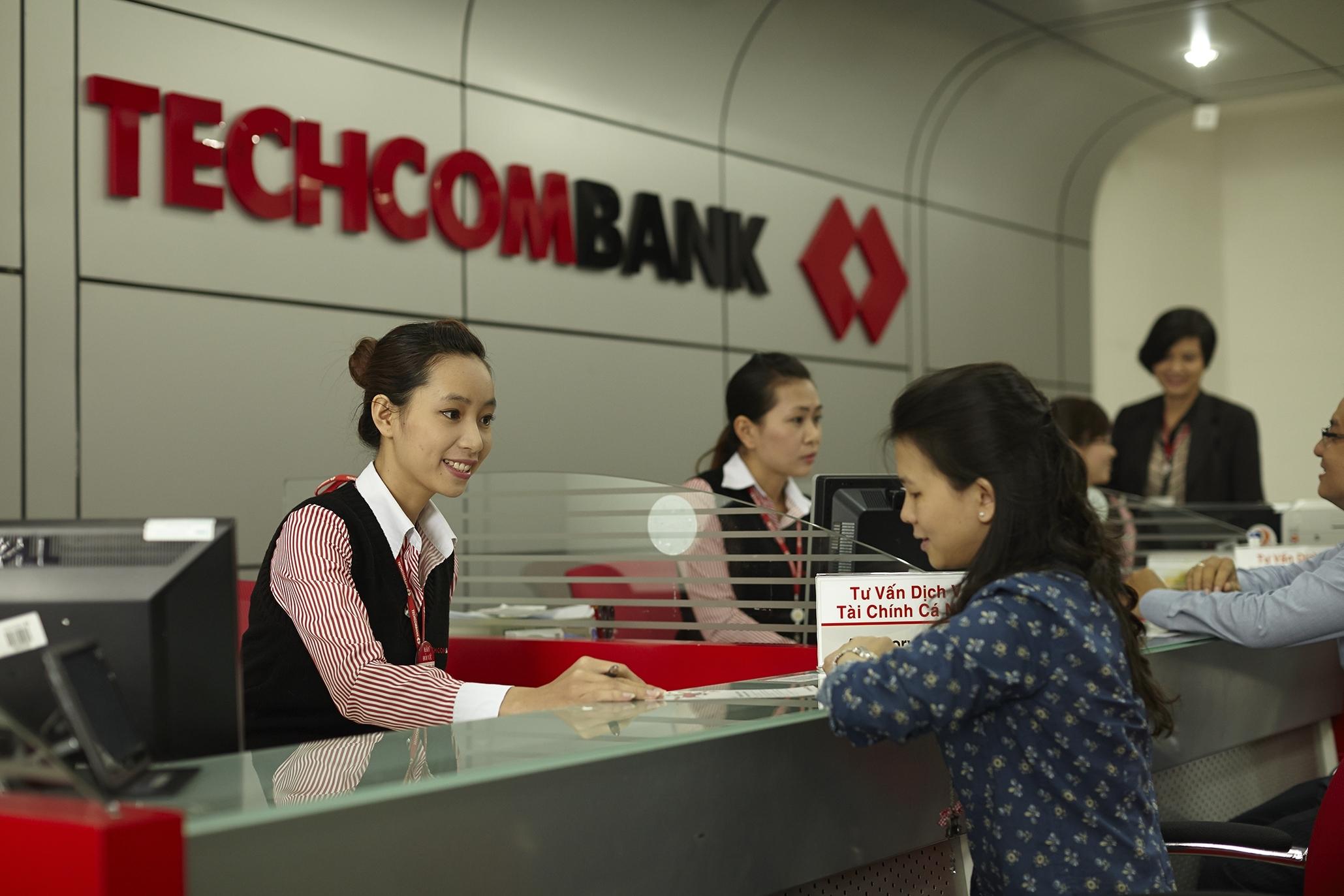 Techcombank đã chi hơn 4,000 tỷ đồng mua lại 19.4% vốn làm cổ phiếu quỹ từ HSBC?