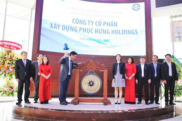 PHC chính thức lên sàn HOSE với giá tham chiếu 16,300 đồng/cp.