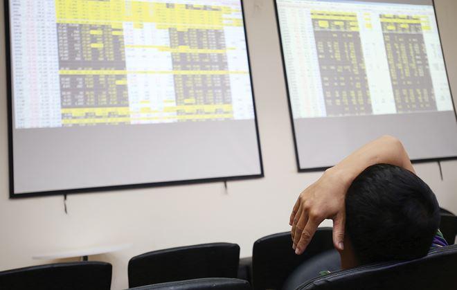 Chậm lên sàn: Lợi cho doanh nghiệp, hại cho nhà đầu tư