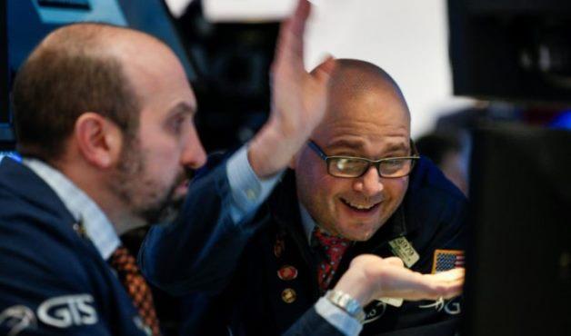 Dow Jones vọt hơn 200 điểm nhờ báo cáo lạc quan từ Target và Lowe's