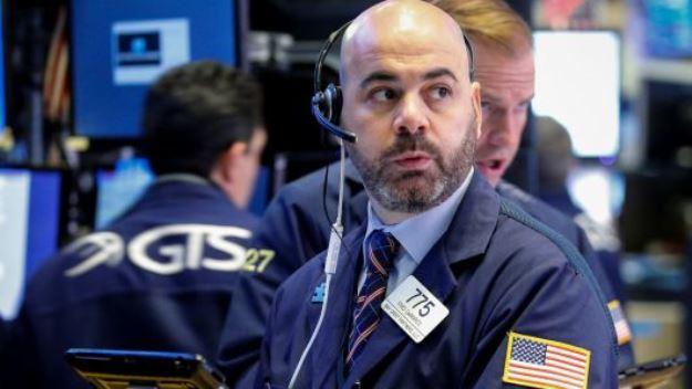 Dow Jones giảm hơn 100 điểm sau tin tức ảm đạm về thỏa thuận thương mại