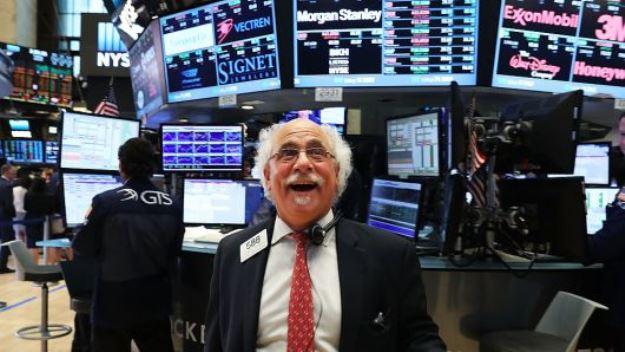 Dow Jones leo dốc khi Goldman Sachs tăng mạnh nhất trong 10 năm