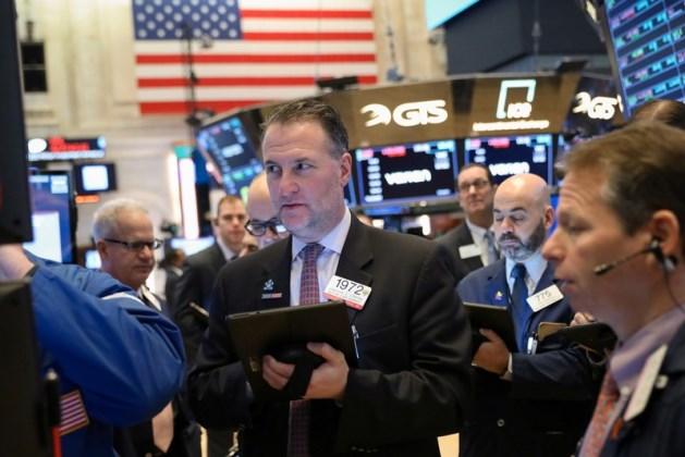Đà sụt giảm của cổ phiếu Home Depot khiến Dow Jones rớt hơn 100 điểm