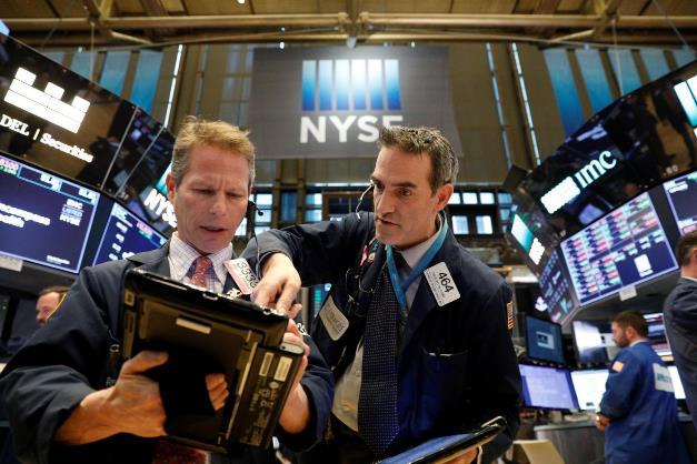 Dow Jones và S&P 500 khởi sắc
