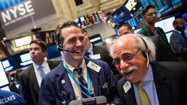Vọt gần 200 điểm,Dow Jones vượt ngưỡng 26,000 điểm, đánh dấu 9 tuần leo dốc liên tiếp