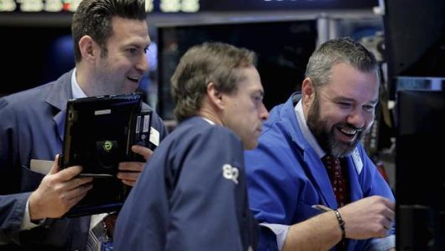 Đà tăng của cổ phiếu công nghệ kích Phố Wall khởi sắc