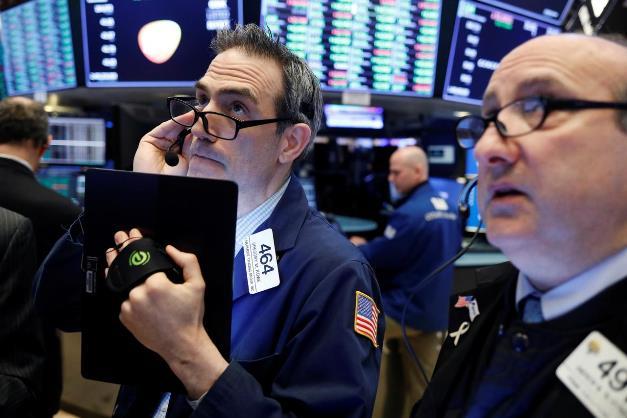 Dow Jones rớt 600 điểm, Nasdaq Composite sụt 10% trong 3 phiên