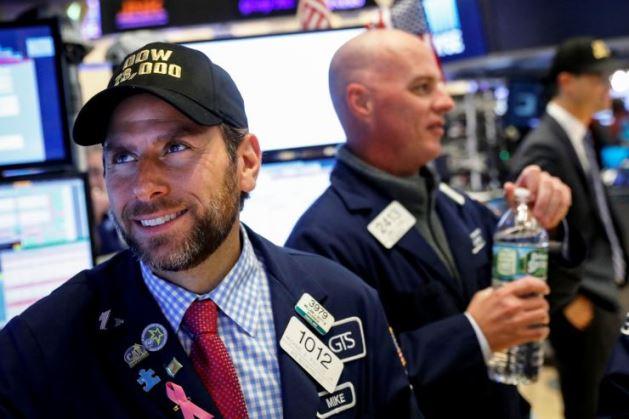 Cổ phiếu công nghệ lại kích S&P 500 và Nasdaq Composite tăng điểm