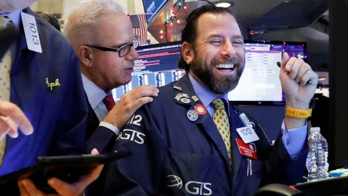 S&P 500 lập đỉnh mới 2 phiên liên tiếp