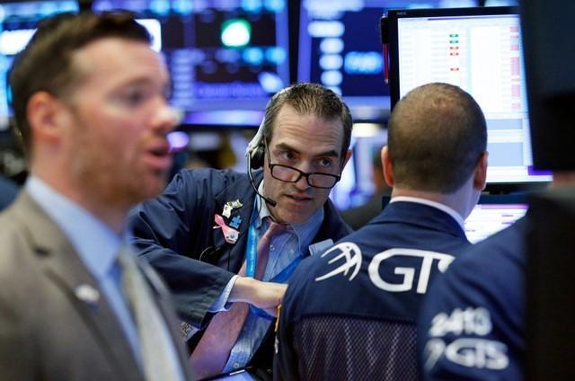 Nhóm cổ phiếu công nghệ kéo S&P 500 rút khỏi mức cao kỷ lục