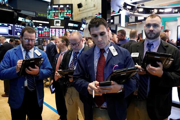 Dow Jones tăng liền 2 tuần bất chấp đà suy yếu trong phiên