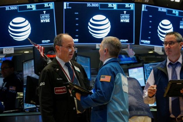 Dow Jones và S&P 500 nhích nhẹ, Nasdaq Composite giảm liền 5 phiên