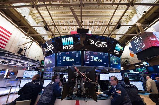 Khối ngoại bán ròng gần 130 tỷ đồng trong phiên giao dịch đột biến ngày 12/12