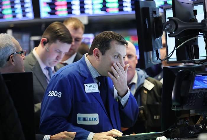 Dow Jones sụt thêm 680 điểm, giảm 3 phiên liên tiếp