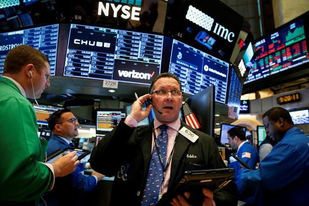 Dow Jones và S&P 500 có tuần giảm điểm thứ 3 trong 4 tuần
