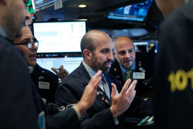 Mặc dù tăng gần 100 điểm trong phiên, Dow Jones vẫn giảm 5 tuần liên tiếp
