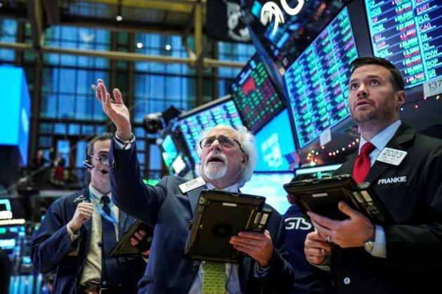 S&P 500 giảm 3 phiên liên tiếp