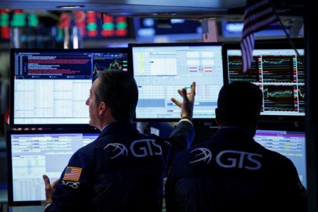 Sụt gần 200 điểm, Dow Jones trượt dốc liền 8 phiên