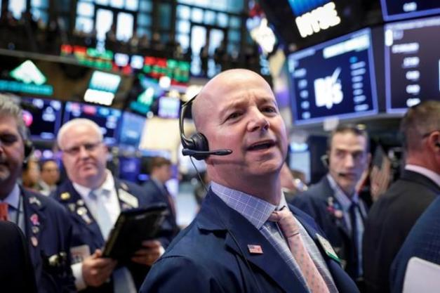 Tăng hơn 100 điểm, Dow Jones đứt mạch 3 phiên giảm liên tiếp