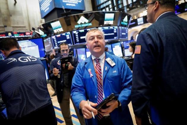 Đà leo dốc của cổ phiếu công nghệ kích Dow Jones tăng hơn 200 điểm