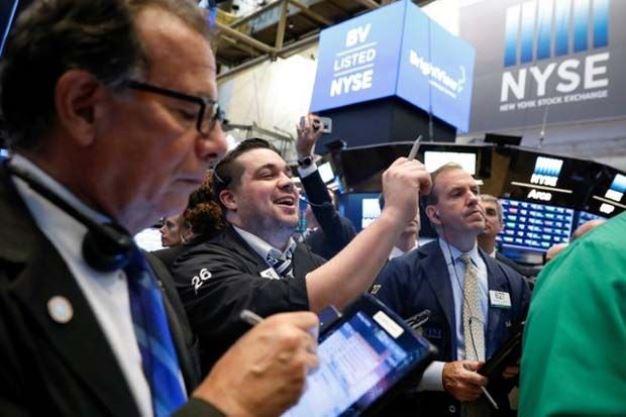 Dow Jones tăng 4 phiên liền sau nhận định của Chủ tịch Fed