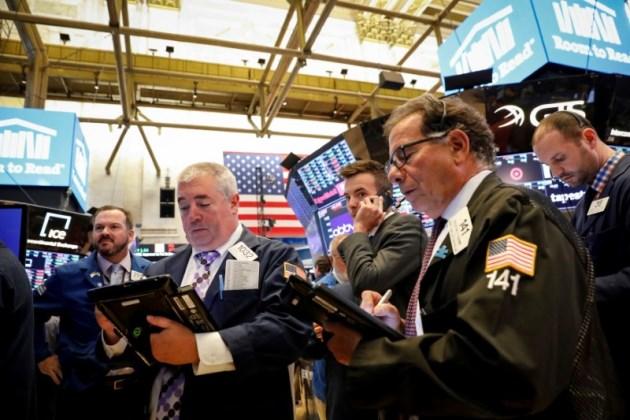 Vọt hơn 300 điểm trong phiên, Dow Jones vẫn giảm mạnh tuần qua
