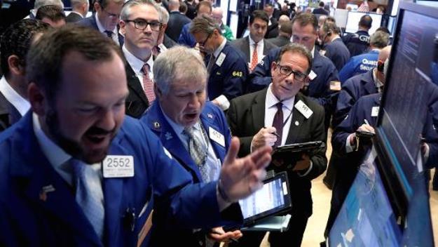Chờ tin từ Fed, 3 chỉ số chính trên Phố Wall đồng loạt phá kỷ lục
