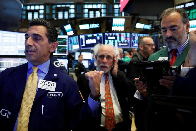 Dow Jones và S&P 500 tiếp tục hành trình lên kỷ lục mới sau quyết định của Fed