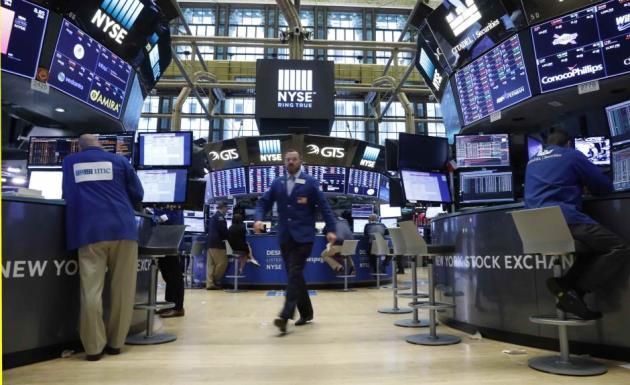 Đà lao dốc của cổ phiếu Apple khiến Phố Wall lùi bước