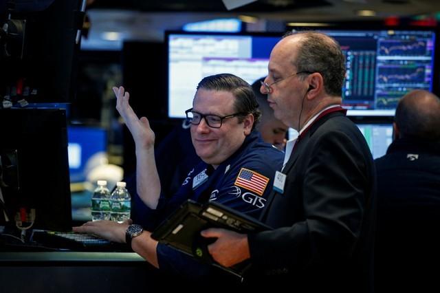 Phố Wall tăng 2 phiên liên tiếp, Dow Jones vọt hơn 500 điểm