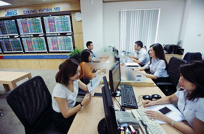 Hàng tỷ USD chờ đổ vào thị trường chứng khoán
