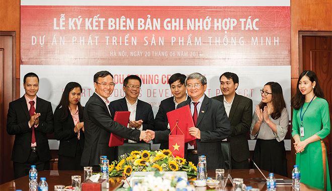 FPT bắt tay Điện Quang phát triển thiết bị điện và chiếu sáng thông minh