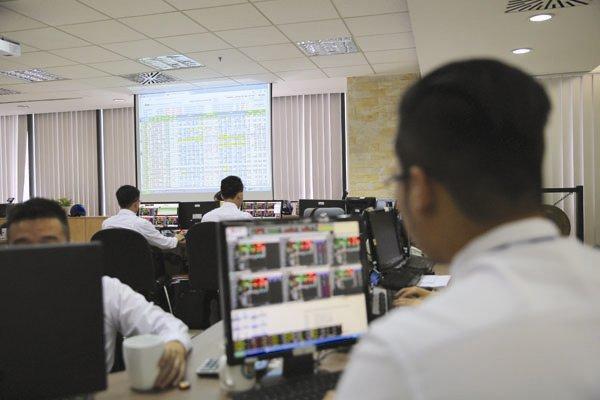 Tiền mới nào cho IPO?