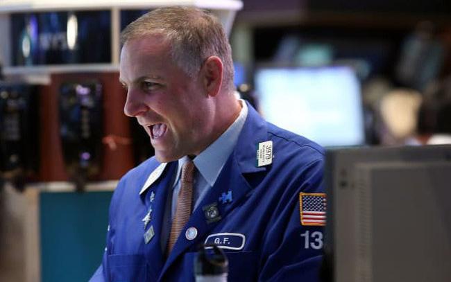 Dow Jones khởi sắc 7 phiên liên tiếp, chạm sát mức cao nhất mọi thời đại