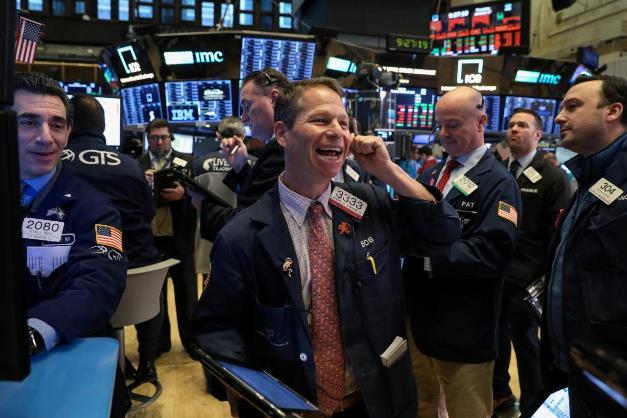 Khởi động tháng 12, S&P 500 tăng 1% lập kỷ lục mới