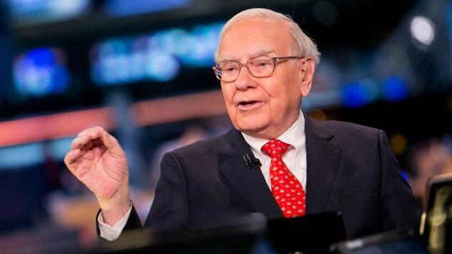 Warren Buffett mua thêm cổ phiếu Apple và Goldman Sachs