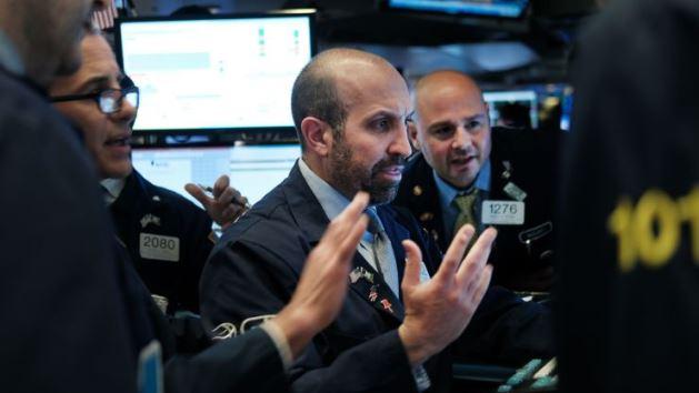 S&P 500 vượt ngưỡng 3,000 điểm lần đầu tiên kể từ giữa tháng 9/2019