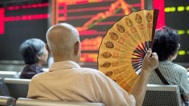 Chứng khoán Trung Quốc giảm sâu, các quỹ Nhà nước ra tay ứng cứu