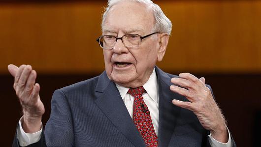 Warren Buffett: Lãi suất là yếu tố quan trọng nhất để xác định giá trị cổ phiếu