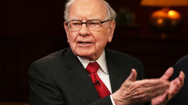 Berkshire Hathaway của Warren Buffett báo lãi ròng tăng 87%, thông báo mua 5.1 tỷ USD cổ phiếu quỹ