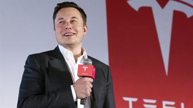 Jim Cramer: Tesla đang bỏ xa các nhà sản xuất xe hơi truyền thống