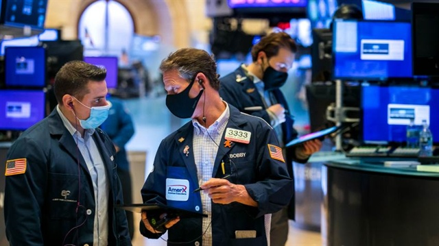 Dow Jones rớt hơn 400 điểm trong phiên cuối tháng 11