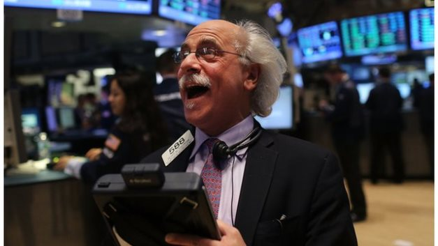 Dow Jones bứt phá hơn 11%, đánh dấu phiên tăng mạnh nhất kể từ năm 1933