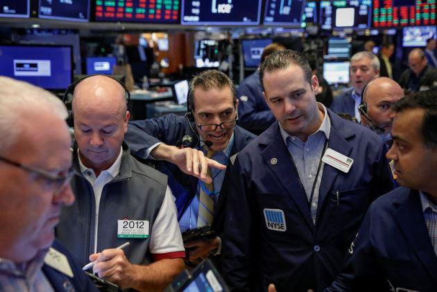 S&P 500 leo dốc 5 tuần liền lên kỷ lục mới