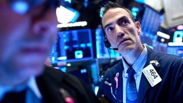 Dow Jones nhích nhẹ lên kỷ lục mới nhờ đà tăng của cổ phiếu Boeing