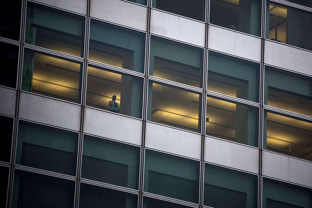 Nhân viên của Goldman Sachs bị bắt vì bị cáo buộc giao dịch nội gián