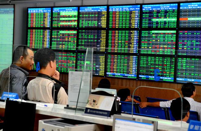 """Dòng tiền có dấu hiệu """"nghỉ tết"""", VNM và cổ phiếu ngân hàng nâng đỡ thị trường"""