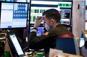 Dow Jones cuối tuần giảm hơn 200 điểm