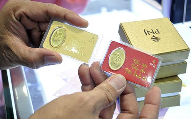 Gần Tết, giá vàng tăng liên tục lên mức 42,6 triệu đồng/lượng